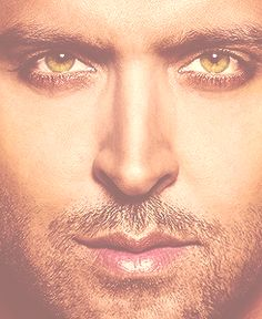 Hrithik Roshan...amazing eyes (: