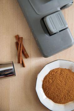 Vychytávky do kuchyně i do bytu: 8 super tipů do domácnosti zdarma Plastic Cutting Board, Dyi, Kitchen, Desserts, Tailgate Desserts, Cooking, Deserts, Kitchens, Postres