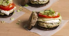 Portobello turkey burgers by Greek chef Akis Petretzikis. A super delicious healthy, gluten free recipe that is rich in protein and a unique rich ricotta sauce! Turkey Burgers, Salmon Burgers, Greek Recipes, Light Recipes, Main Course Dishes, Healthy Gluten Free Recipes, Rich In Protein, Street Food, Food Dishes
