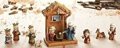 8″ 11 Piece Stable & Nativity Pageant 8″ Nativity Pageant with Stable •8″H