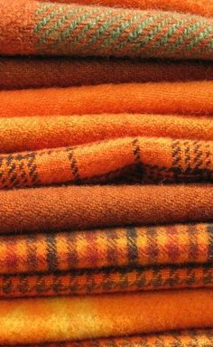 The use of orange and brown works very well together as a clean palette.