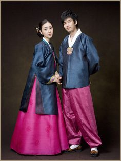 Hanbok for couple korean hanbok, korean dress, korean outfits, korean cloth Korean Hanbok, Korean Dress, Korean Outfits, Korean Clothes, Korean Traditional, Traditional Outfits, Creative Video, Couple Posing, Korean Fashion