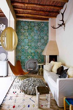 Creative Tile Ideas for Modern Interiors - Whether for a kitchen, a modern entryway or a modern bathroom, tiles are always a smart option for your luxury home. Modern Moroccan, Moroccan Design, Moroccan Decor, Moroccan Tiles, Modern Coastal, Moroccan Kitchen, Rustic Modern, Rustic Chic, Deco Ethnic Chic