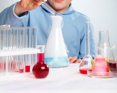 Couldn't resist this one!!  Try these out with your kids - 5 FANTASTIC BAKING SODA EXPERIMENTS