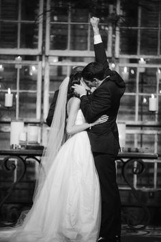 Cute! I would love to get a pic like this :)  Splendid Wedding Photos in Black and White