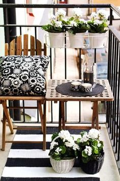 Tout en harmonie, on craque pour ce petit balcon cosy !