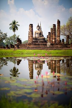 Enjoy Sukhothai, Lower Northern Thailand Marvel at the ruins on the ancient city of Sukhothai,