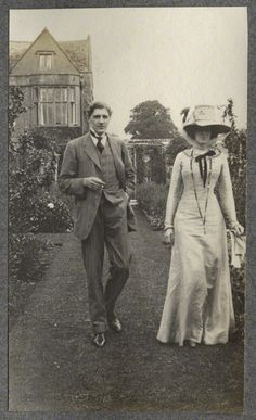 Lady Ottoline Morrell with Edward William Horner, 1909. Via National Portrait Gallery