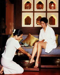 Many ritual at spa begin with a foot bath. Mandarin Oriental Dhara Dhevi Spa, Chiang Mai, Thailand. Photocredit: Visualphotos.