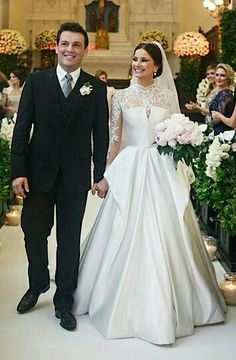 Gorgeous Long Sleeves Wedding Dress Sheer Jewel Neckline A-line Tulle Sweep Train Wedding Dress With Lace Applique Bridal Gown Tesettür Gelinlik Modelleri 2020 Sheer Wedding Dress, Muslim Wedding Dresses, Wedding Dress Train, Wedding Dress Sleeves, Long Sleeve Wedding, Dream Wedding Dresses, Bridal Dresses, Wedding Gowns, Lace Dress