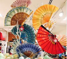 Kate Chan Special Hand Fans #katechan #fans #ecoaccessories #summer #spring #travel #beachchic