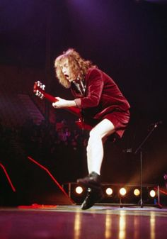 AC ⚡ DC - Angus Young