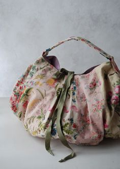 I am going to look for a bag like this.  I desperately need a new purse.