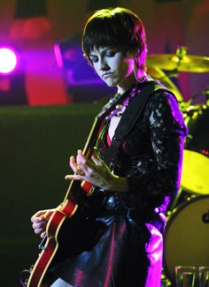 Dolores O'Riordan Dies: Life in Pictures