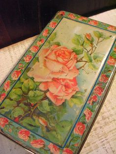 Beautiful Vintage c 1920 Tin Box - Green with Romantic Pink Roses EDGE DENTED
