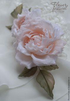 """Silk flowers. Розы """"Bel Ange"""" из шелка в прическу. Цветы ручной работы. Ярмарка Мастеров - ручная работа Оксаны Чистовой. Цветы из ткани. Handmade."""