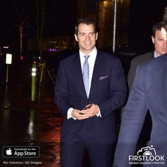 Henry Cavill News: Lucky NYC: Henry Spotted Out And About On A Rainy Monday
