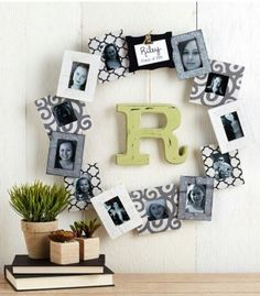 Welcome to a new collection of DIY projects featuring 15 Artistic DIY Photo Crafts To Use In Your Home Decor. Handmade Picture Frames, Picture Frame Crafts, Personalized Photo Frames, Picture Ideas, Diy Photo, Photo Craft, Mason Jar Photo, Picture Wreath, Frame Wreath