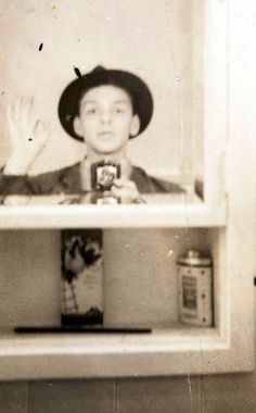 Selfie Of A Young Frank Sinatra...!!!