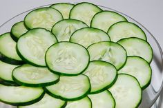 Sprouting from its Indian roots, cucumbers are the cooling treats of nature and are ranked fourth globally in popularity. Known as a super food, cucumbers are packed with essential nutrients that are a blessing for your health. Since cucumbers ha Belly Fat Burner, Burn Belly Fat, Cucumber On Eyes, Cucumber Salad, Cucumber Benefits, Cucumber Recipes, Sun Damaged Skin, Good Foods To Eat, Fat Burning Foods