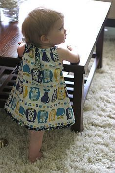 for Baby: 17 Free Dress Tutorials for Babies amp; Toddlers Make for Baby: 25 Free Dress Tutorials for Babies amp; Toddlers: Pillowcase Dress with Bias TrimMake for Baby: 25 Free Dress Tutorials for Babies amp; Toddlers: Pillowcase Dress with Bias Trim Sewing For Kids, Baby Sewing, Sewing Clothes, Diy Clothes, Clothes Sale, Dress Sewing, Barbie Clothes, Couture Bb, Baby Dress Patterns