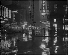 """""""9:20 a.m.,"""" Downtown Pittsburgh, 1946. [Carnegie Library of Pittsburgh]"""