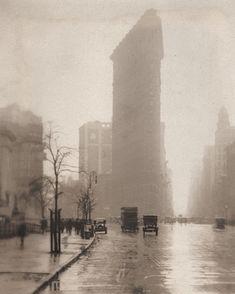 Flatiron Building, Teatro Da Broadway, Empire State Building, Old Photos, Vintage Photos, Manhattan, Times Square, Nyc, Shopping Street