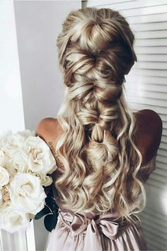 Wedding inspo with Ash Blonde @luxyhair extensions <3 Click to learn more about clip-in hair extensions.