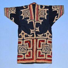 per prior pinner: Ainu coat (Japan). (via British Museum) Japanese Textiles, Japanese Kimono, Ethnic Fashion, Kimono Fashion, Textile Design, Fabric Design, Ainu People, Tribal Costume, Clothing And Textile