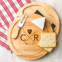 Personalised hipster-inspired cheese board set | hardtofind.