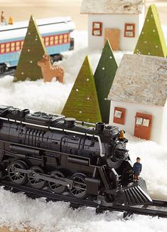 For your little engineer // Beautiful craftsmanship captures the magic of Christmas and the beloved charm of the Polar Express story with this Lionel Train Set that is built with the quality that has defined Lionel trains for more than 100 years.