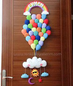 Baby Girl Door Ornament Model With Balloon Recycling Activities For Kids, Crafts For Teens, Felt Crafts, Diy And Crafts, Kids Room Accessories, Desi Wedding Decor, Mermaid Kids, Baby Door, Kit Bebe