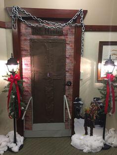 School Door Decorations, Office Christmas Decorations, Christmas Projects, Christmas Ideas, Classroom Door Displays, Christmas Classroom Door, A Christmas Carol Themes, Family Christmas, Muppets Christmas