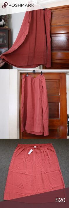 """NWT Midi Modest Skirt Brand New Old Navy Skirt! Bought this online and wasn't a big fan of the fit! Gorgeous color """"hot peppa flakes"""" is the color from old navy. This skirt is very modest. Old Navy Skirts Midi"""