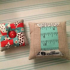 https://flic.kr/p/rS3NZ5   Pincushions for swap   My pincushions for the Des Moines Modern Quilt Group swap. I made two because mine are kind of small.