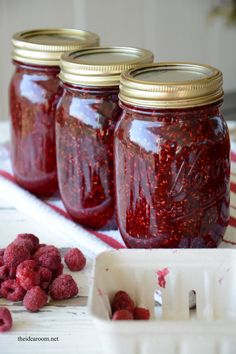 Raspberry Jam Recipe without Pectin - The Idea Room Raspberry Jam No Pectin, Raspberry Rhubarb Jam, Rhubarb Jelly, Raspberry Freezer Jam, Raspberry Recipes, Raspberry Preserves, Frozen Raspberry Jam Recipe, Raspberry Popsicles, Homemade Raspberry Jam