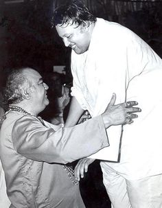 Veteran Actor Premnath Greeting the Legendary Singer Nusrat Fateh Ali Khan Bollywood Posters, Bollywood Actors, Bollywood Celebrities, Bollywood Style, Nusrat Fateh Ali Khan, Film Tips, Vintage Vignettes, Film Icon, Bollywood Pictures