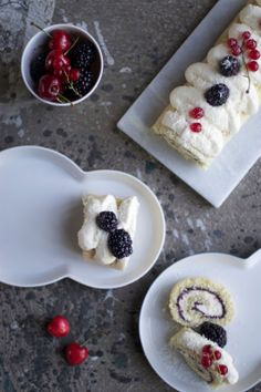 Our Food Stories // glutenfree swiss roll with berries