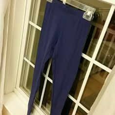 TEEN LEGGINGS Size small teen leggings in royal blue color. Cotton and spandex. Thin fabric. NWOT. Active basics Pants Leggings