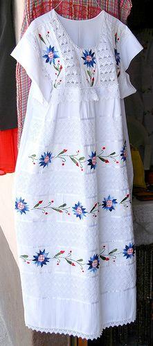 Oaxaca Embroidered Dress - Mitla:San Pedro Quiatoni, Oaxaca. Photo: Teyacapan