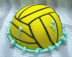 2 of my favourite things, waterpolo and cake.