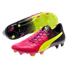 Turn up the noise with each strike. Stike loud with the booming bass produced from the naturally flexing Accufoam on the evoPOWER Tricks. Featuring conical and bladed studs, these boots have enough composure to get you out of tight corners and get out into open space by pushing off the blades. A tiny amount of space is all you need to strike for goal in these boots. Pick up your pair today and experience a feeling of power you never knew you had before. www.soccercorner.com