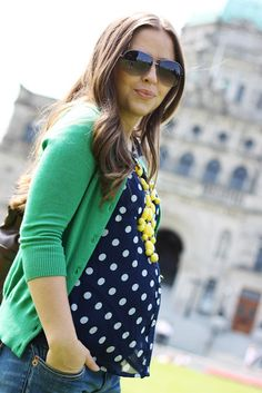 Maternity Green cardi, polka dot tee, yellow beads Well I'm sure not pregnant but I love this outfit! Maternity Fashion Dresses, Cute Maternity Outfits, Stylish Maternity, Maternity Wear, Cute Outfits, Maternity Swimwear, Maternity Styles, Baby Bump Style, Mommy Style