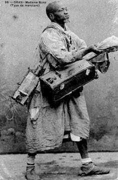 Moorish gnawa musician, Oran