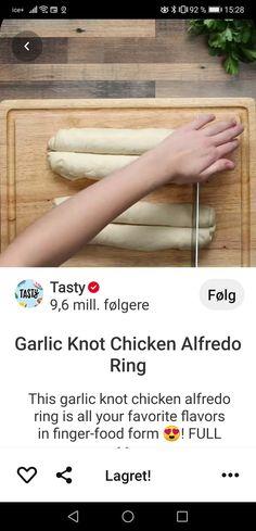Chicken Ring, Garlic Knots, Chicken Alfredo, Finger Foods, Tasty, Alfredo Chicken, Finger Food, Snacks