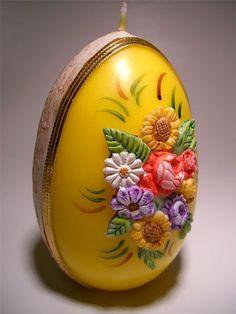 Svíčka * vajíčko zdobené květy, škoda ji zapálit.