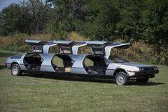 Guarda altre foto >> http://giornalemotori.it/79913/delorean-collezione-estrema | Un appassionato della #DeLorean he deciso di comprane alcune, per creare una collezione speciale e unica al mondo.