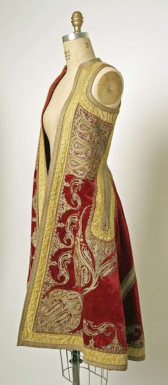 WOW, 19th century Eastern European coat Anyone wanna make one of these for me in trade? :D