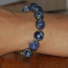 Wire Wrapped Jewelry Tutorials Free | Wire Wrapped Bead Bracelet Built-In Clasp | JewelryLessons.com