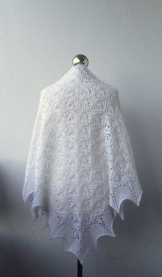 CHRISTMAS SALE 15% OFF White hand knitted shawl with от DagnyKnit